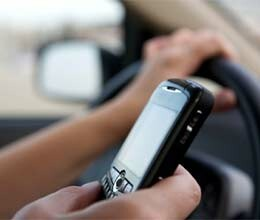 mobile phone usage at time of driving dangerous