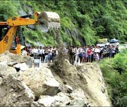 Havoc-of-floods-and-landslides-in-Sikkim,-21-dead
