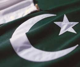pakistan condemns bounty on anti islam film maker