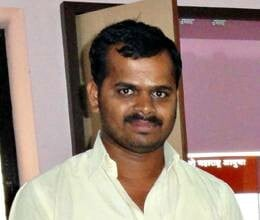 Suresh-Pathare-another-aide-of-anna-hazare-part-ways