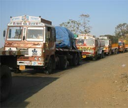 attack on indian vehicles at nepal border