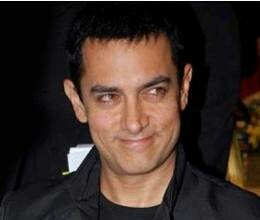 Hazare wants to add Aamir to his movement