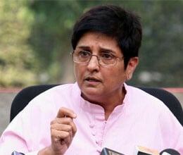 kiran bedi says blame game easy