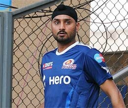 all eyes on tendulkar harbhajan as mumbai indians take on lions