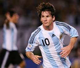 argentina wins with messi goal