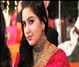 daughter visits saif at sangeet
