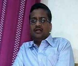 transfer of Khemka has became s contrversy, all-round attack on Congress