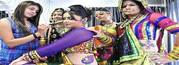 how to look gorgeous on dandiya garba night