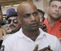 jayasuriya feels safe to play in pak