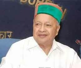 Virbhadra loses temper, threatens media, apologises later