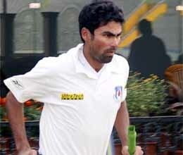 mukul dagar hits maiden ton as up take first innings lead against delhi