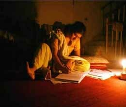 up thousands houses are living without light from two months