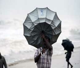 cyclonic storm threat in andhra pradesh and tamil nadu