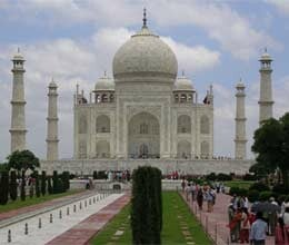 illegal constructions mar taj mahal beauty