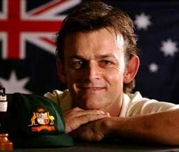 gilchrist admires dhoni as captain