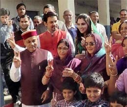 himachal pradesh election dhumal expects more than 45 seats