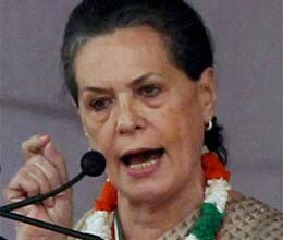 sonia counterattacks on modi over provoking speech