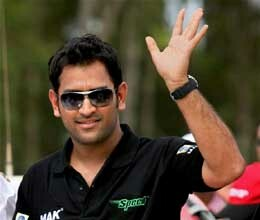 mahendra singh dhoni eager to reach on top