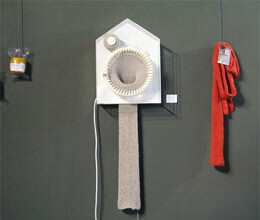 clock who show time alongwith knitting