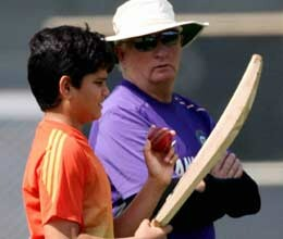 arjun tendulkar watches as team india practice for the second day