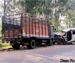 truck collision in sagar district, five killed