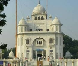 clash in two group rakabganj gurdwara