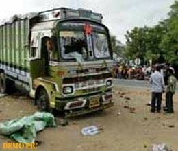 seven people killed in firozabad road accident