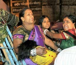 17 killed in stampede at chhath pooja in patna