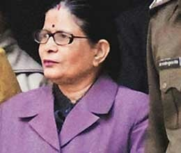 former up chief secretary neera yadav gets jail for noida land scam