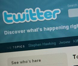 Twitter unveils email sharing
