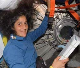 how sunita spend her time in space