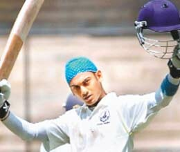 arun karthik century prevented from Delhi to win