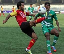 east bengal edge past salgaocar to remain on top