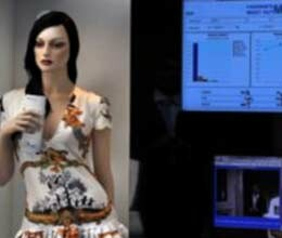 ?fashion companies eye on customers via effigies