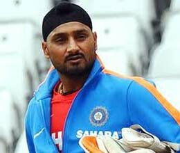 dhoni should not be judged by just one bad game says harbhajan