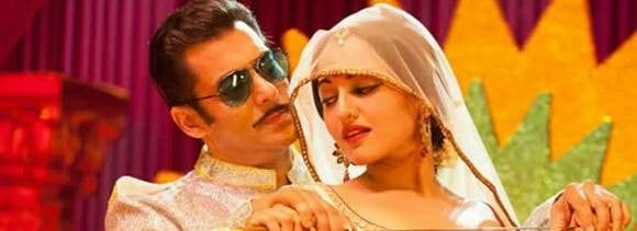Sonakshi appears pregnant in dabangg 2