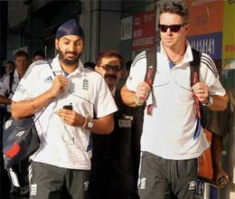 england team arrives for kolkata test