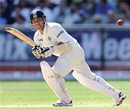 sachin tendulkar completes 34000 runs in international cricket
