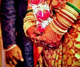 bride got angry to see 35 year old groom