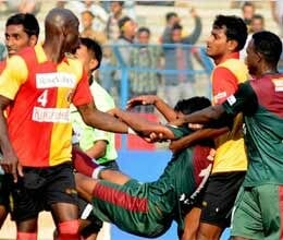 violence erupts as east bengal mohun bagan match called off