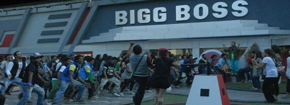 Flashmob in the Bigg Boss house