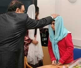 demand to give malala title of daughter of pakistan
