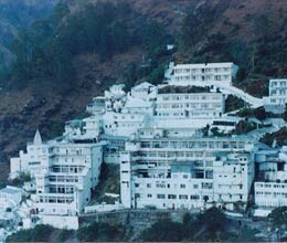 snowfall in vaishno devi and bhairon valley