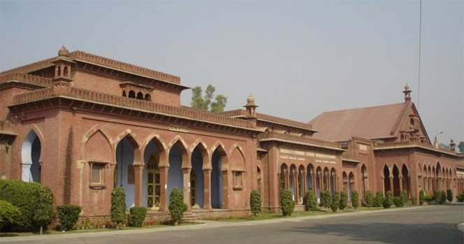 AMU for speedy digitalisation of intellectual resources