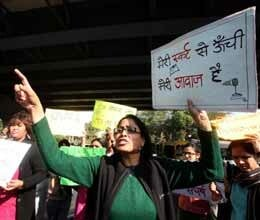 delhi gang rape pm meets women mpss to discuss the issue