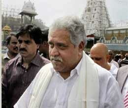 vijay mallya offers 3 kg gold to lord venkateswara