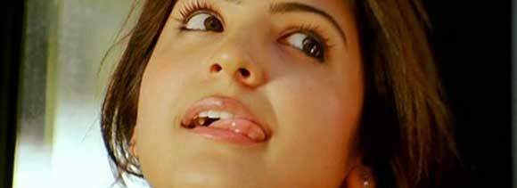 anushka lips appear with the changed