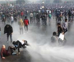 delhi gangrape Protesters brave water cannons teargas lathicharge to demand justice