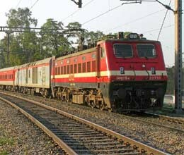 six passengers sick after eating biryani in rajdhani express