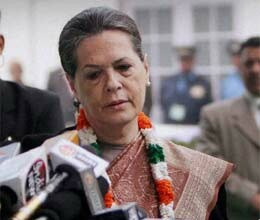 delhi gangrape victim critical sonia says no happy new year greetings for congress
